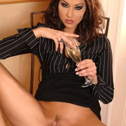 Cindy Hope (Klaudia) in 'DDF' Champagne for her campaign! (Thumbnail 6)