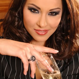 Cindy Hope (Klaudia) in 'DDF' Champagne for her campaign! (Thumbnail 7)