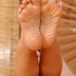 Sylvia Laurent in 'DDF' Her Sole Grip (Thumbnail 12)