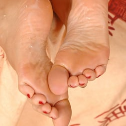 Sylvia Laurent in 'DDF' Her Sole Grip (Thumbnail 15)