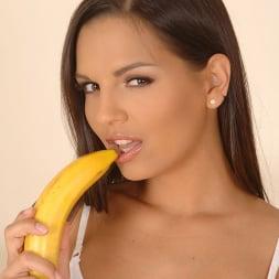 Eve Angel in 'DDF' Banana-rama (Thumbnail 3)