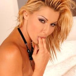 Cindy Hope aka Klaudia in 'DDF' Sinful Sisters (Thumbnail 9)