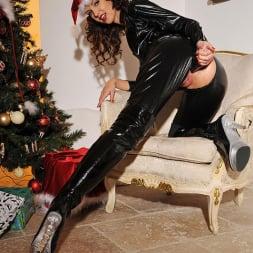 Aneta J. in 'DDF' Tis the season to be kinky! (Thumbnail 12)