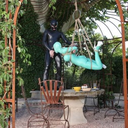 Latex Lucy in 'DDF' Suspended Penetration (Thumbnail 8)