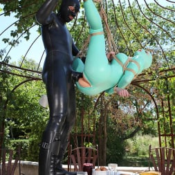 Latex Lucy in 'DDF' Suspended Penetration (Thumbnail 14)