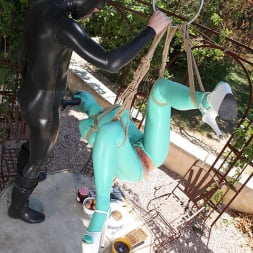 Latex Lucy in 'DDF' Suspended Penetration (Thumbnail 15)