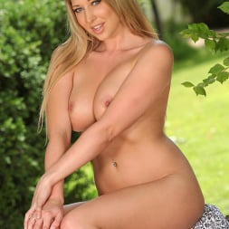 Lexi Lowe in 'DDF' Bare In The Air (Thumbnail 16)