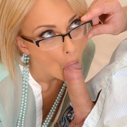 Ivana Sugar in 'DDF' Carnal Counselor (Thumbnail 4)
