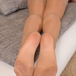 Charlyse Bella in 'DDF' High On Her Heels (Thumbnail 7)