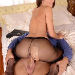 Alexis Brill in 'DDF' Perfect In Pantyhose (Thumbnail 8)