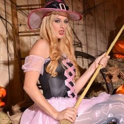 Mira Sunset in 'DDF' Halloween Lusts (Thumbnail 4)