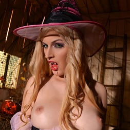 Mira Sunset in 'DDF' Halloween Lusts (Thumbnail 11)
