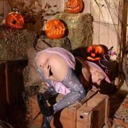 Mira Sunset in 'DDF' Halloween Lusts (Thumbnail 13)