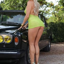 Blanca Brooke in 'DDF' Choose Your Chassis (Thumbnail 4)