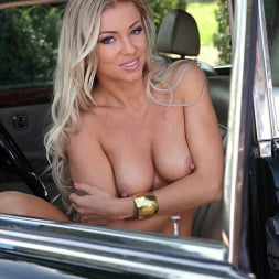 Blanca Brooke in 'DDF' Choose Your Chassis (Thumbnail 9)