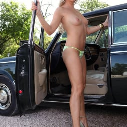 Blanca Brooke in 'DDF' Choose Your Chassis (Thumbnail 10)