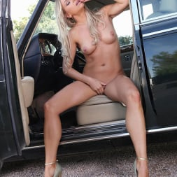 Blanca Brooke in 'DDF' Choose Your Chassis (Thumbnail 15)