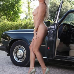 Blanca Brooke in 'DDF' Choose Your Chassis (Thumbnail 16)