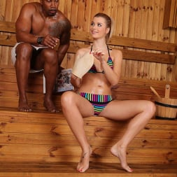 Charlyse Bella in 'DDF' Sauna Encounter (Thumbnail 3)
