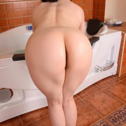 Lucia Love in 'DDF' Princess of the Posterior (Thumbnail 15)