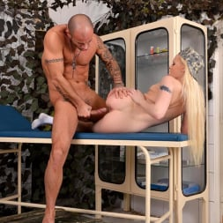 Lola Taylor in 'DDF' Penetrated by her Patient (Thumbnail 15)