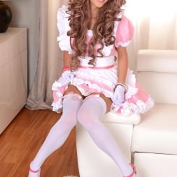 Tracy Gold in 'DDF' Princess in Pink (Thumbnail 1)