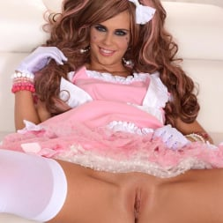 Tracy Gold in 'DDF' Princess in Pink (Thumbnail 5)