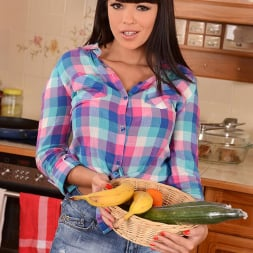 Ava Dalush in 'DDF' Cutie with a Cuke (Thumbnail 2)