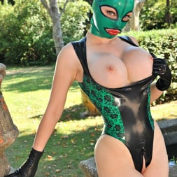 Latex Lucy in 'DDF' Stretch Your Imagination (Thumbnail 16)