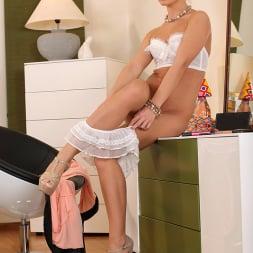 Vanda Lust in 'DDF' Delicious Celebration (Thumbnail 7)