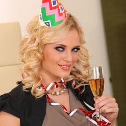 Vanda Lust in 'DDF' Delicious Celebration (Thumbnail 16)