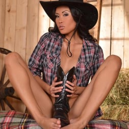 Danika in 'DDF' Bare under her Boots (Thumbnail 8)