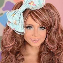 Foxy Di in 'DDF' Cute with her Bow (Thumbnail 1)