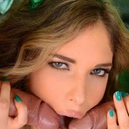 Eva Parcker in 'DDF' Climax In Green (Thumbnail 6)