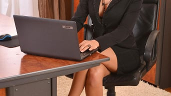 Nicole Vice in 'Aroused In The Office'