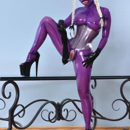 Latex Lucy in 'DDF' She Looms In Latex (Thumbnail 12)