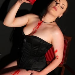 Isabel Dean in 'DDF' Chastised In Wax (Thumbnail 10)