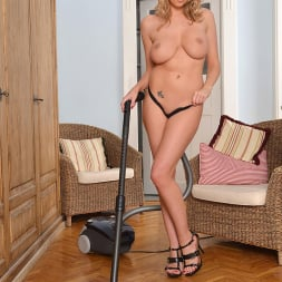Lexi Lowe in 'DDF' Spicy House Work (Thumbnail 8)