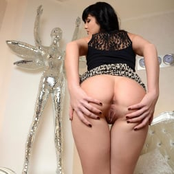 Coco Bianca in 'DDF' Fulfills Her Promise (Thumbnail 5)