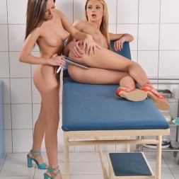 Ivana Sugar in 'DDF' Selfie Seduction (Thumbnail 13)