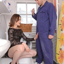 Tina Kay in 'DDF' Service With A Squirt (Thumbnail 5)