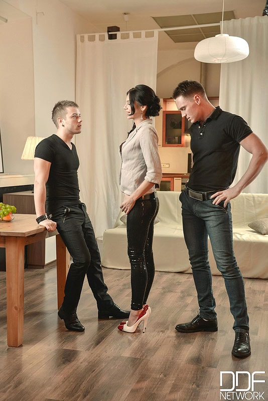 DDF 'A Babe And Two Buddies' starring Anita Sparkle (Photo 2)