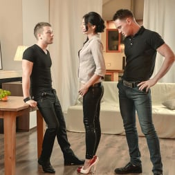 Anita Sparkle in 'DDF' A Babe And Two Buddies (Thumbnail 2)