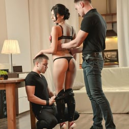 Anita Sparkle in 'DDF' A Babe And Two Buddies (Thumbnail 3)