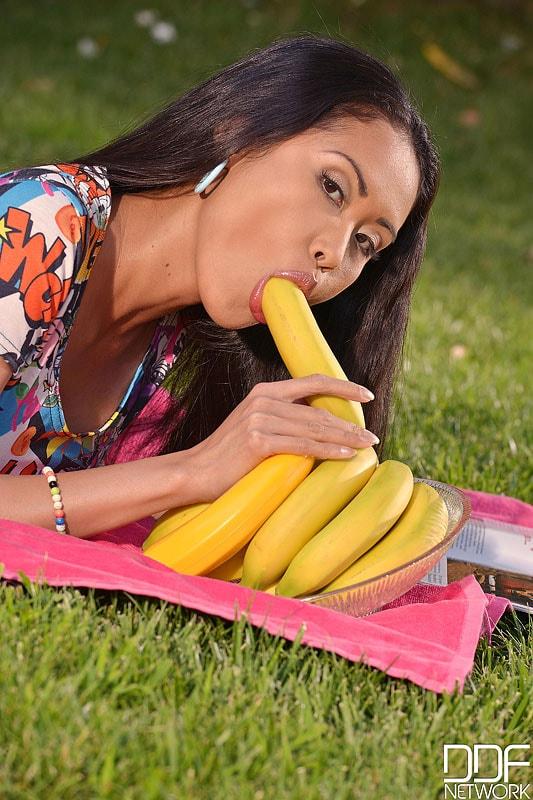 DDF 'Undercover Banana' starring Danika (Photo 4)