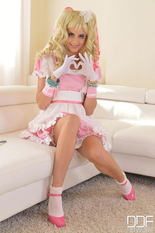 DDF 'The Dolly Cutie' starring Camilla (Photo 2)