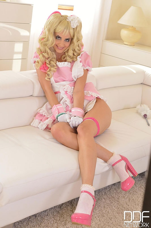 DDF 'The Dolly Cutie' starring Camilla (Photo 9)