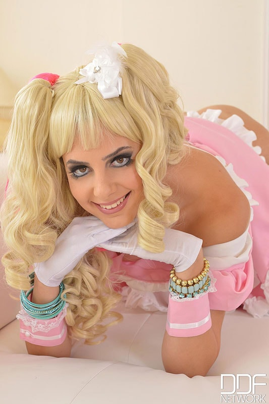 DDF 'The Dolly Cutie' starring Camilla (Photo 15)