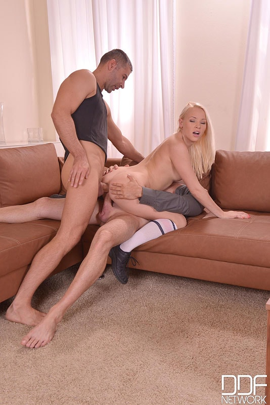 DDF 'Tasty For Her Studs' starring Lola Taylor aka Baby L (Photo 12)