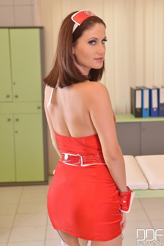 DDF 'Hot For Your Healer' starring Madlin (Photo 2)